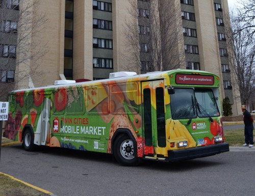 Twin Cities Mobile Market begins service to MPHA highrises