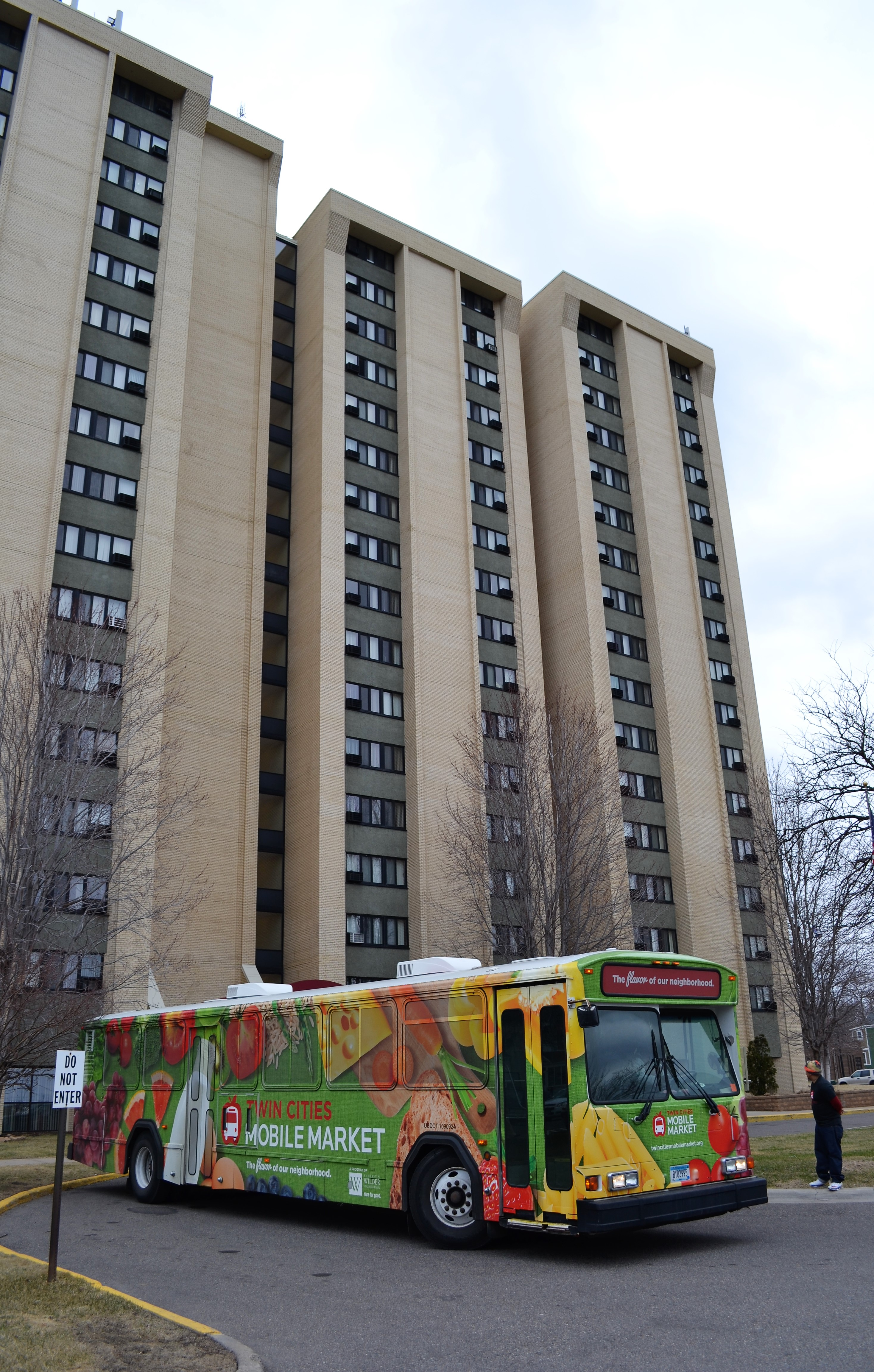 Twin Cities Mobile Market on its first visit to Lowry Towers